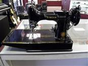 SINGER Sewing Machine 221